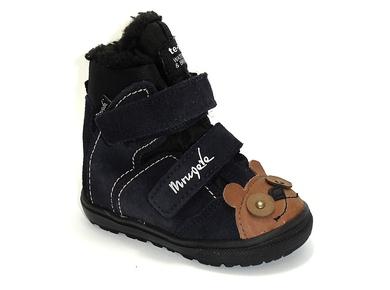 Zimowe buty mrugała